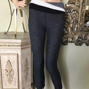 Lululemon grey crop leggings
